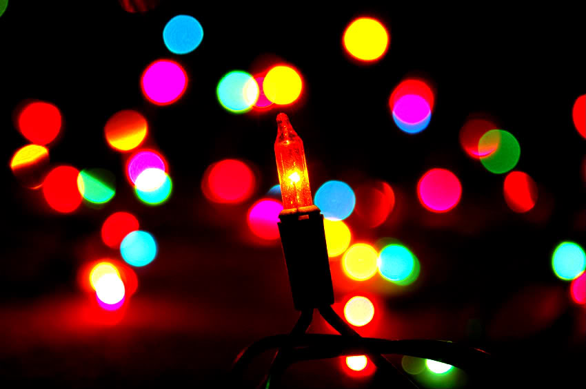 Noticia: ¿Cómo Evitar Riesgos Con Las Luces Navideñas?