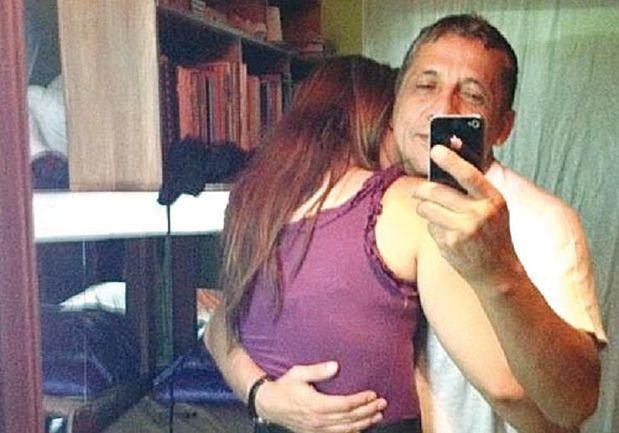 Chica selfie se mete el pepino para el novio - 3 part 1