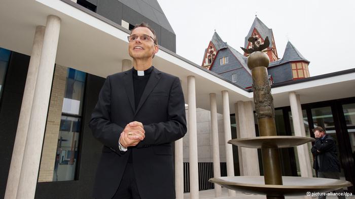 Papa le baja el dedo a obispo 'de lujo' alemán