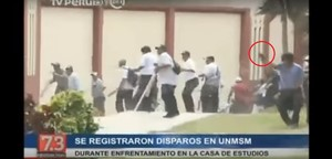 UNMSM: desconocido dispara contra estudiantes que protestaban [VIDEO]