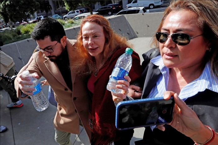 Alejandro Toledo: Eliane Karp insulta a fiscal Rafael Vela tras audienciade fianza en EEUU