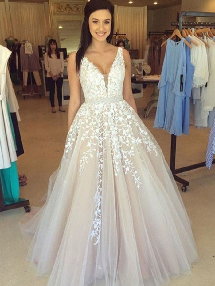 Noticia: Tips for choosing an amazing petite prom dresses