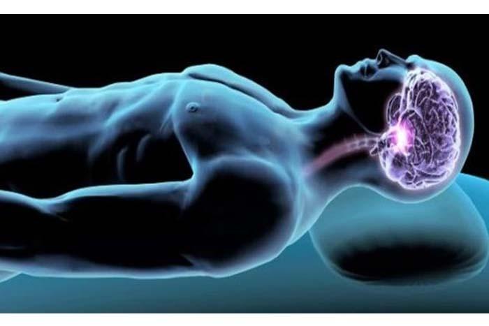 Esto es lo que le pasa a tu cuerpo y cerebro si duermes menos de 7 horas