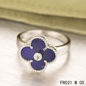 Van Cleef & Arpels Clover Ring Particular significance