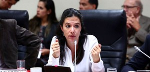 "Congreso: Marisa Glave desmiente noticia falsa sobre pedido de ""baños exclusivos"" [VIDEO]"